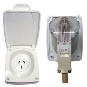 CMS White IP44 10 Amp Double Pole/Auto-Switch Power Outlet
